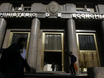Economía colocó $ 11.565 M en BONCER y otros u$s 206 M en LETES
